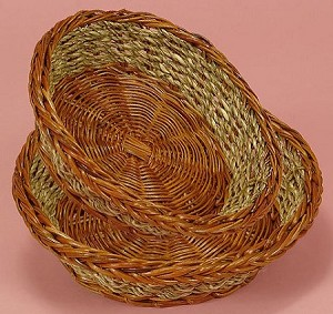 Small Round Seagrass Basket (4 items)